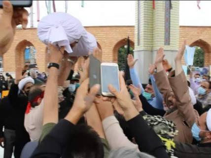 گلستان ما - تشییع و تدفین شهدای گمنام در دلند+ تصاویر